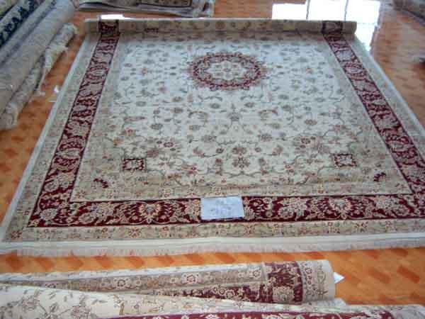 b, 承压能力 地毯的材质,织法和加工处理方法都是针对不同的压力